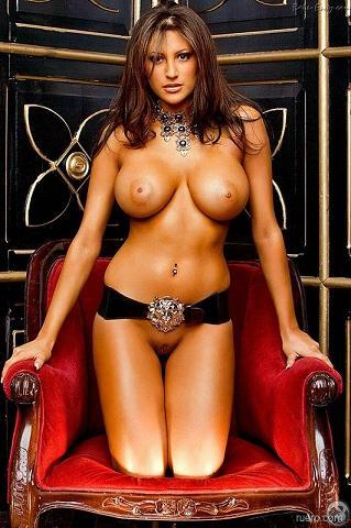 девушки голые знаменитости фото