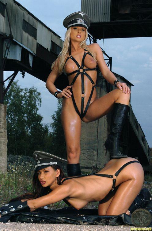Тёлки в немецкой форме порно фото фото 550-248