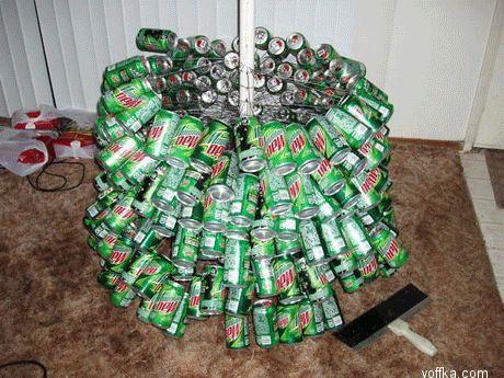 Прикольно.  Фото: Как сделать йолачку из пивных банок (11 фото.