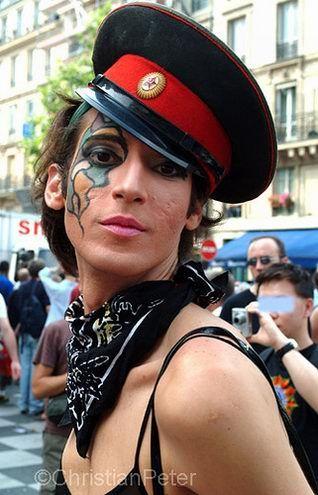 http://voffka.com/pic/gay/parade/gay_1.jpg